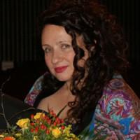 Лора Лаевская — организатор фестиваля-конкурса «Здравствуй, мир!»