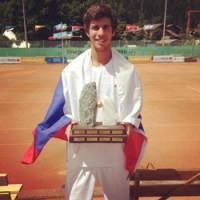 Карен Хачанов выиграл чемпионат Европы по теннису